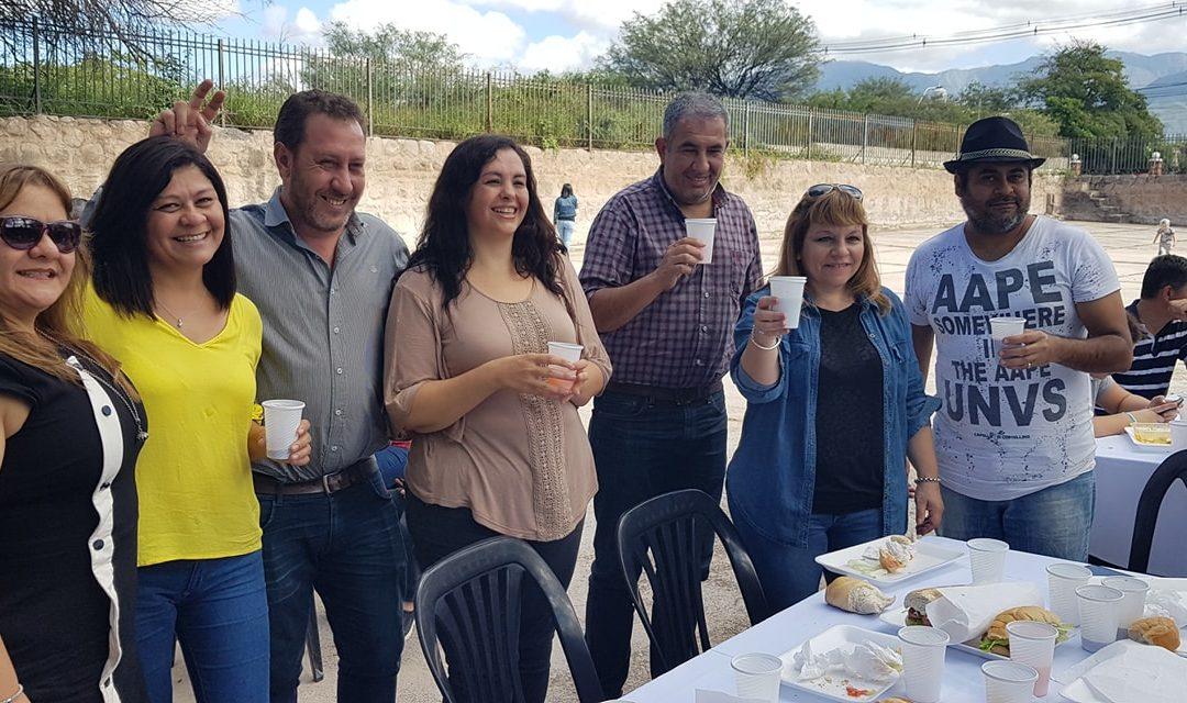 En el acto de inauguración del predio donado por la Universidad Nacional de La Rioja, a los Nodocentes Universitarios, a través de sus Representantes Gremiales.