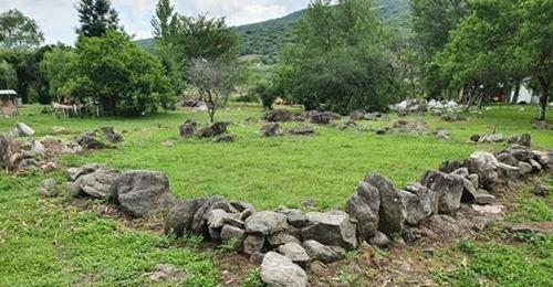 Proyectan poner en valor un sitio Arqueológico en Las Lajas – Paclín